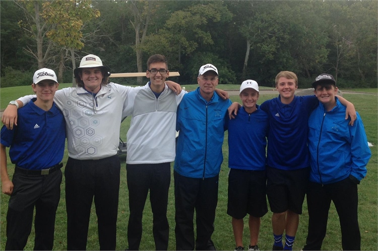 Congratulations! The golf team is headed to Districts!