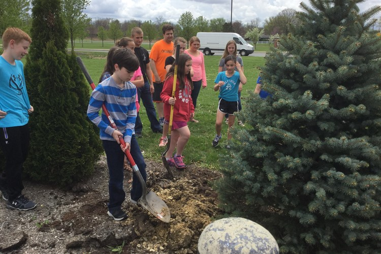 Celebrating Earth Day 2016 by planting trees