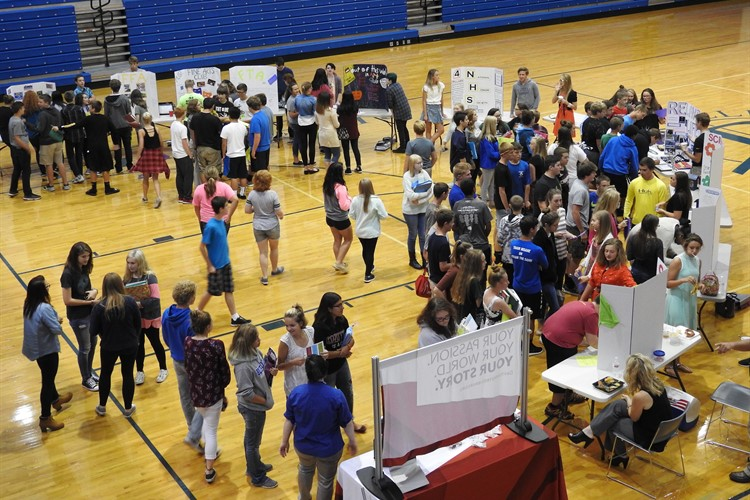 BHS Club Fair introduces students to the various after-school clubs.