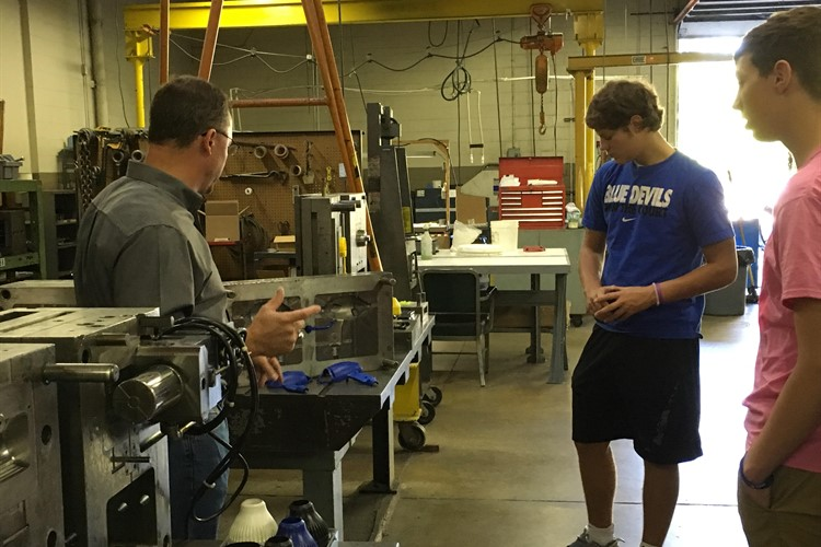 BHS Students Participated in Manufacturing Day 10-7-16