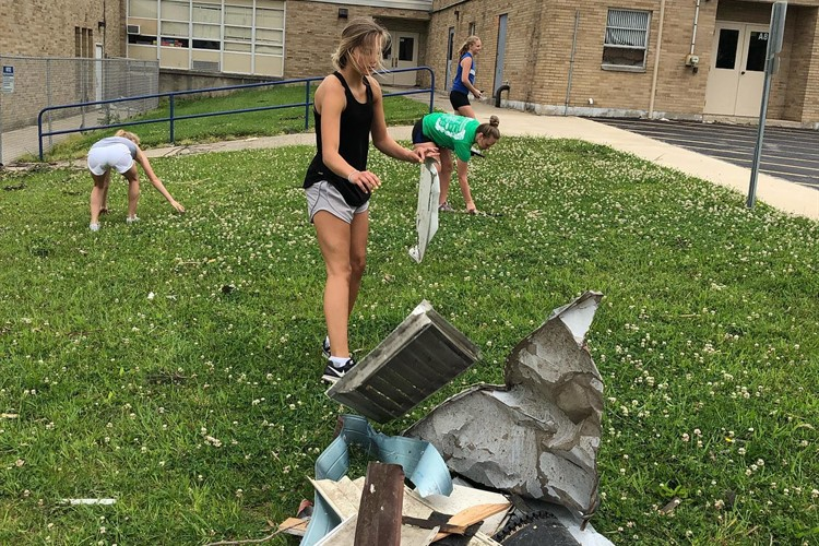 Students Pick Up Debris